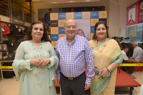 11. Asha Khatau, Amar Ghana Singh, Anuradha Paudwal during the Book Launch The Best of Epicure's NOUVELLE INDIAN CUISINE by ASha Khatau KPP_5123
