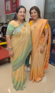 8. Anuradha Paudwal and Kavita Paudwal during the Book Launch The Best of Epicure's NOUVELLE INDIAN CUISINE by ASha KhataKPP_5140